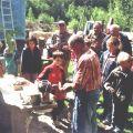 Demonstration der Steinbearbeitung während des Ferienprogramms 2011